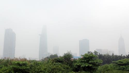 Sài Gòn mù mịt sương