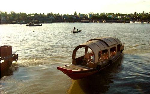 Đánh giá việc sử dụng tài nguyên nước tại Đồng bằng sông Cửu Long, Hà Nội và TP.HCM